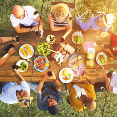 Is a Big Family Dinner the Right Time to Introduce Your Date?