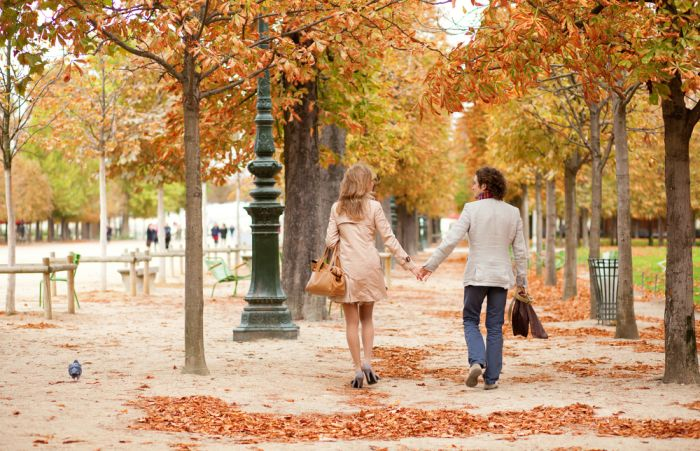 Make Fall the Focus of Your Next Date